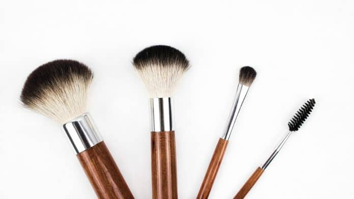 Makeup brushes - types and uses